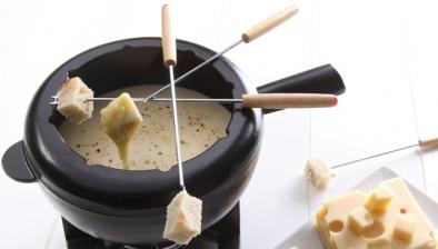 Short fondue forks