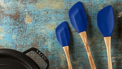 Wender, Holz mit Silikon, dunkelblau